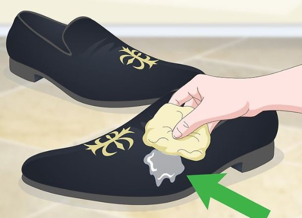 general shoe cleaning process